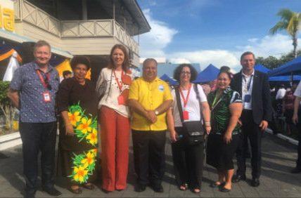 Petra Sigmund (Auswärtiges Amt) auf einer Konferenz in Nauru